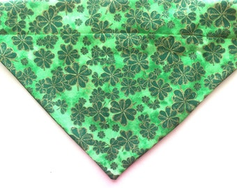 St. Patrick's Day dog bandana, shamrock dog bandana, pet bandana-over the collar bandana, slip on dog bandana