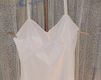 069d94d6739 1960S Full Slip s42 XXL Plus Size Vintage PHILMAID s42 White Nylon Vintage  Lingerie Lg Vintage Fashions