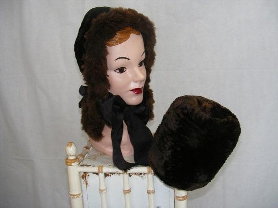 Vintage 1930s Fur Hood Bonnet & Fur Muff Set Mediu