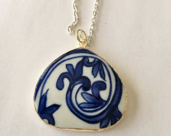 Ming  Dynasty Antique Blue & White POTTERY SHARD Pendant Necklace / Porcelain /  Broken China pendant / unique gift / Gift Boxed
