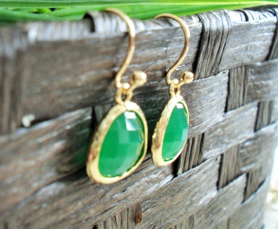 Bridesmaid Set of 3 Pairs  Gold Framed Faceted EMERALD GREEN Drop EARRINGS  Jade Green  Glass  Dangle  Simple  Elegant  Gift Boxed
