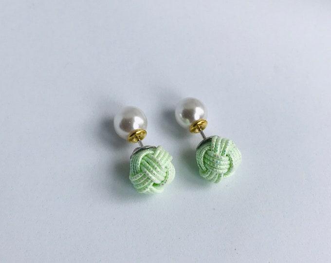 ball knot earrings <shiny green>