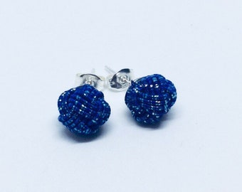 mizuhiki knot earrings <dark blue>