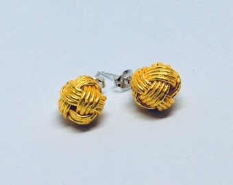 mizuhiki knot earrings <gold>
