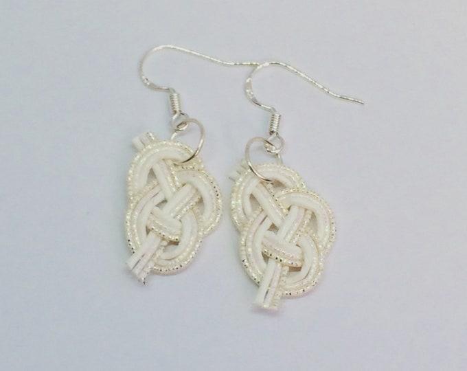 mizuhiki awaji earrings <silver x white>