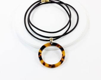 Tortoise Shell Eyeglass Chain, Gold Glasses Chain, Tortoise Eyeglass Loop, Tortoise Sunglasses Holder Chain, Gold Eyeglass Necklace, maetri