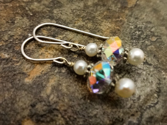 White Pearl Earrings, Swarovski Crystals and Pearls, Beautiful Bridal Jewelry, White Freshwater Pearl and Crystal Earrings