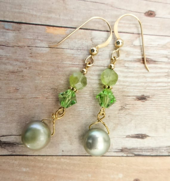 Peridot Earrings, Peridot and Pearl, August Birthstone, Birthstone earrings, Birthstone jewelry, Green Gemstone, Gemstone Earrings