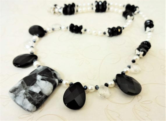 Black Onyx Necklace, Pearl and Gemstone, Black and White Necklace, Black and White Gemstone and Pearl Necklace. Gift for Mom