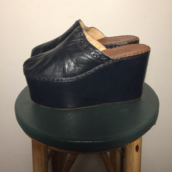 Rare Vintage  70s Navy Wedge Platforms 38