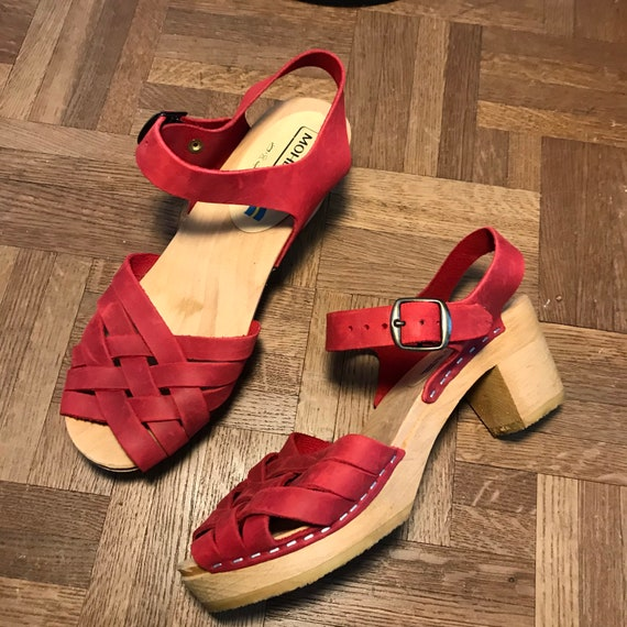Vintage 1970s Raspberry Swedish Sandals 39 Moheda