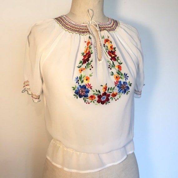 Vintage 1930s / 1940s Embroidered Hungarian Peasan