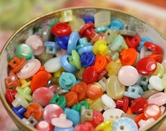 10 Vintage Plastic Petite Buttons