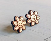 Smiling flowers studs. Wo...