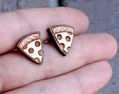 Wood Pizza studs. With st...