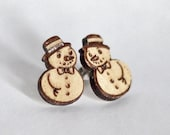 Snowman wood earring stud...