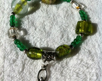 Peaceful and sparkly green Goddess bracelet