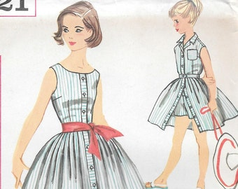 """Size 10-FACTORY FOLDED 1957 Girl's Playsuit, Blouse, Skirt and Sash Simplicity 2521 Breast 28"""""""
