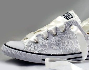 Floral white Lace Wedding Converse -white Lace Bridal Converses --Floral white Lace Converse -- Wedding Tennis shoes