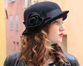 8660ad49c51 Black hat Cloche hat Winter hat Felt hats Womans winter hat 1920s hat  Bucket hat Woman hat Derby hat Flapper hat Unique hat Pillbox hat