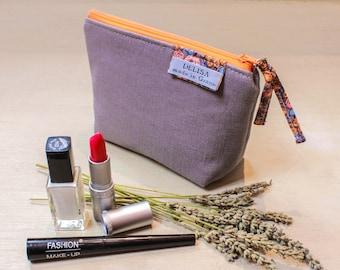 Small gray linen zipper pouch. Lavender pouch. Lipstick case. Small makeup bag. Coin purse. Mini zipper. Cosmetic pouch