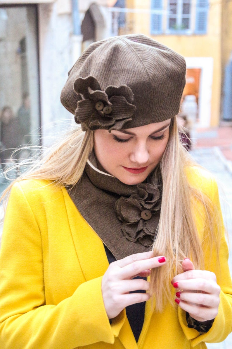 5929ebd0fe66f Brown hat with flower. Beret hat for women French beret