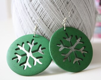 Green Snowflake Cut wood earring  ,Naturally Beauty Recycle Wood  Earring