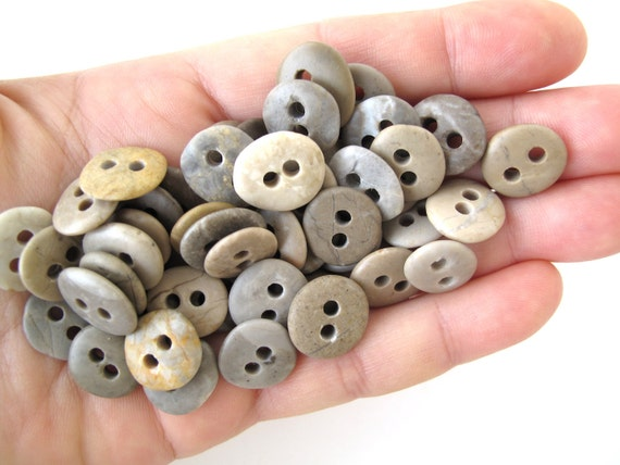 Tiny Beach Stone Buttons 13-14 mm Pebble Buttons Small Knitting Sewing Buttons Craft Buttons BABY STONE BUTTONS Baby Rock Buttons