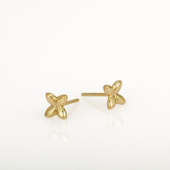 round earrings 14k Gold Stud earrings small Solid gold  earrings Handmade. minimalist earrings daily use Hammered stud earrings