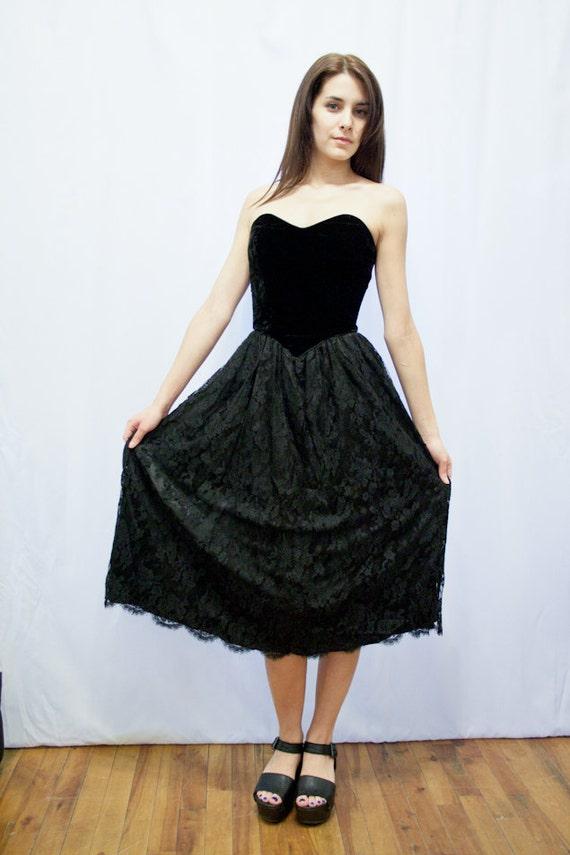 STRAPLESS VELVET DRESS - Vintage Party Dress - Flo