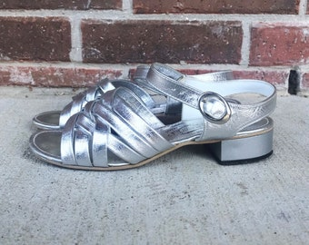 vintage 60s SILVER METALLIC strappy HEELS peep toe 7 space age sandals 60s mod cocktail party mad men Twiggy vintage shoes retro pumps dolly