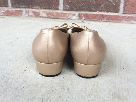 Italian Gold cocktail party leather HEELS designer shoes 80s JOHN preppy pumps metallic ST Bow 9 logo vtg S7xHCq5wB