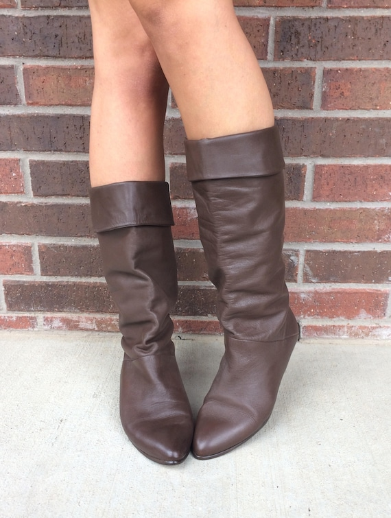 1d9c534759ec4 vtg 80s BROWN Tall RIDING Cuff BOOTS 10 flat pirate slouchy boho preppy  leather shoes