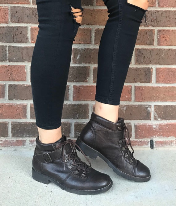 vintage 80s Dark Brown LACE UP Ankle BOOTS 7.5 buc