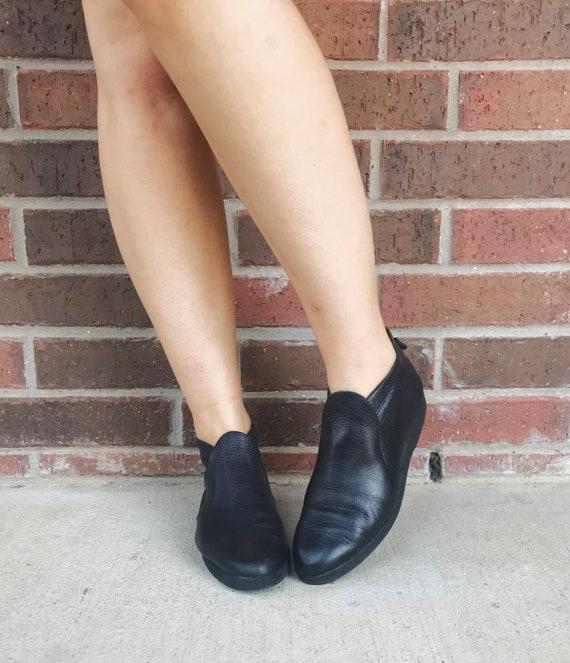 vintage 90s black ZIPPER platform ANKLE BOOTIES 8… - image 7