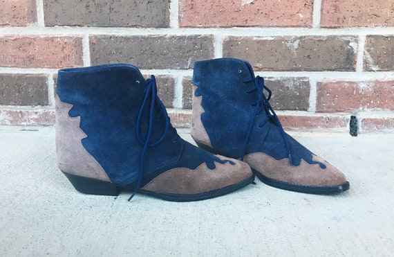 vintage 80s Two Tone WESTERN lace up ANKLE BOOTS 6