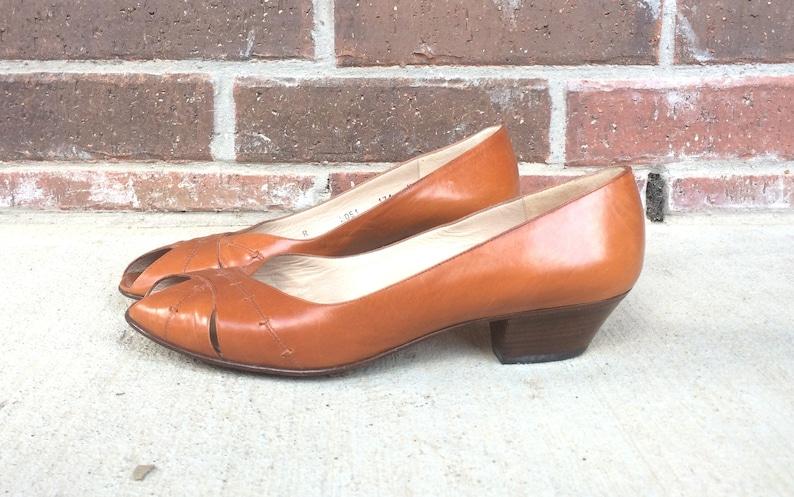 760e95d1b478c vintage 80s Honey Brown WOVEN peep toe ITALIAN HEELS 7/7.5 leather sandals  Bruno Magli heels boho vintage sandals summer festival hippie