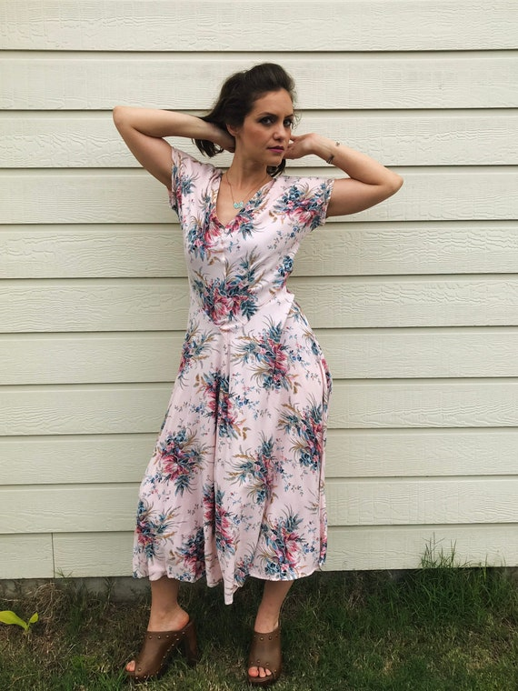 Vintage 40s Style Pastel Pink Floral Button Down Summer Dress.