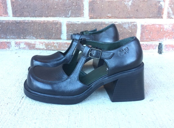 4b4bbeff74b vintage 90s Black CHUNKY cut out MARYJANES 7 grunge heels 90s