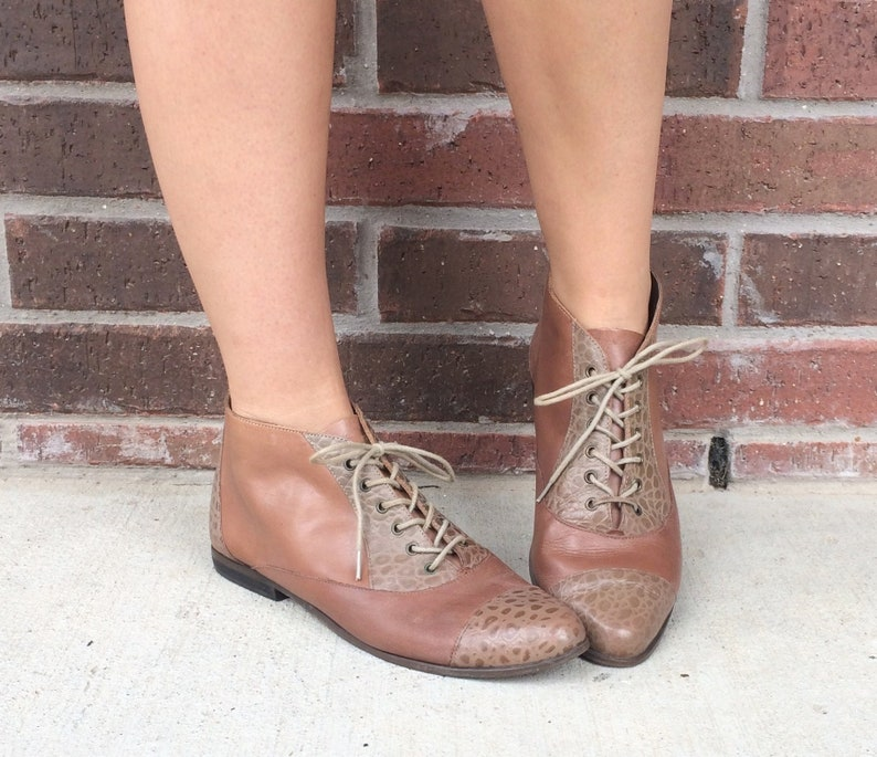 3d2053fc50be6 vtg 80s Two Tone TAN lace up ANKLE BOOTS boho 10 faux reptile leather flats  brogues shoes booties granny riding brown beige