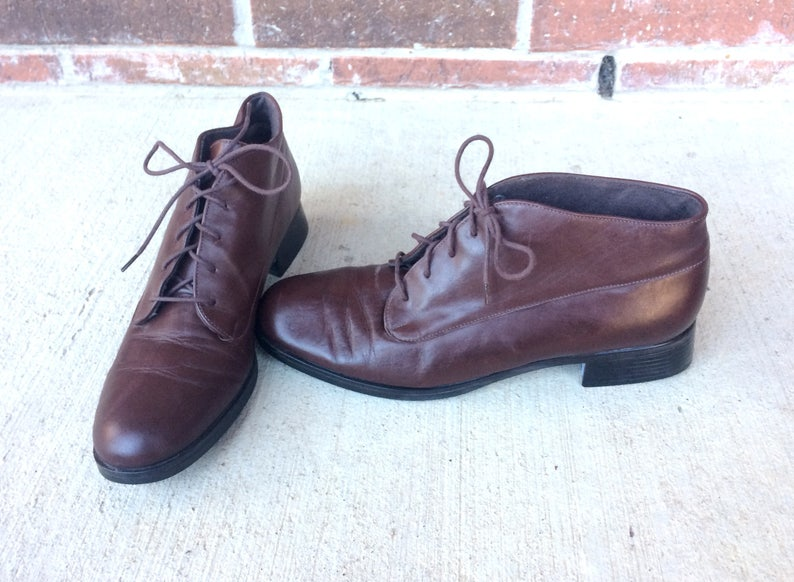 46fb3a8d9f8b8 vtg 80s brown LACE UP leather Ankle BOOTS heels 8 boho oxfords grunge  brogues preppy