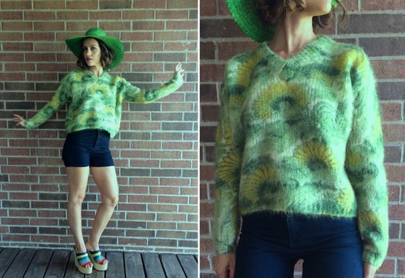 vintage 50s DAISY Grass Green MOHAIR SWEATER xs fu