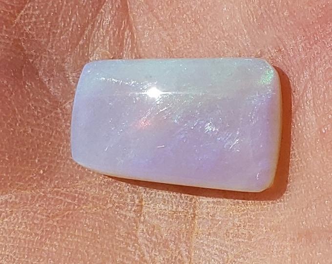 4.6 Ct. Opal - Mintabie, Australia - 15 x 9.4 mm - Natural
