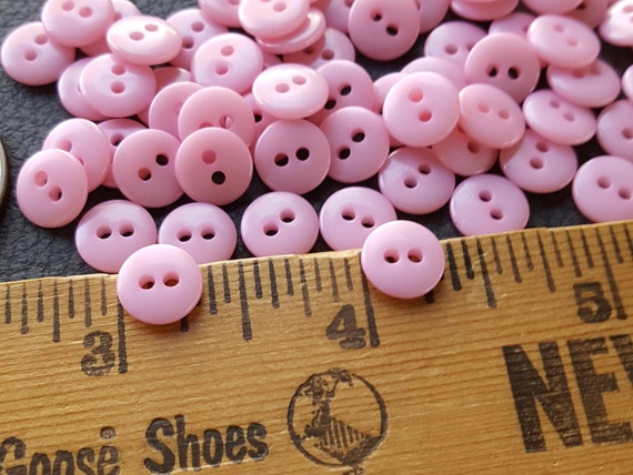 FD3B 12 x Doll or Baby LAVENDER Colour 4-Hole Plastic Buttons 12mm Wide