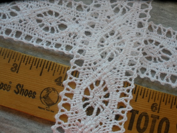 Cluny Style Off White Floral Lace Trim 1 3//8/'/'  wide