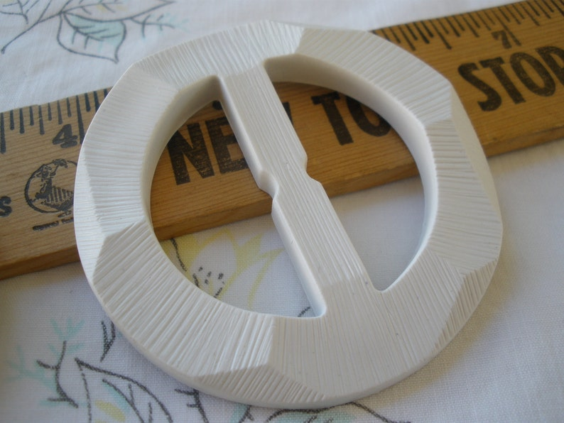 Textured White Plastic Buckle Scarf Slide Round 2 38 carved 1 38 opening crafts sewing western t-shirt slide novelty retro ribbon slider