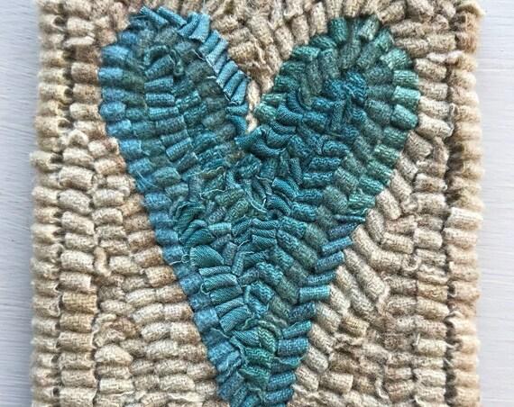 Primitive Folk Art Hooked Rug / Mat Old Heart Hit and Miss