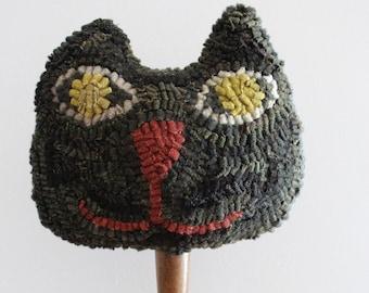Primitive Folk Art ~ Halloween ~ Hooked Wool Rug Black Cat Make Do on Antique Wooden Masher