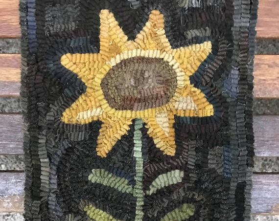 Rug Hooking Pattern Simple Folk Art Sunflower Hooked on Linen or Paper