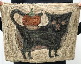 Olde Salem Cat ~ Rug Hooking Pattern on Linen
